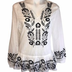 Fashion On The Run embroidered cotton top NWT